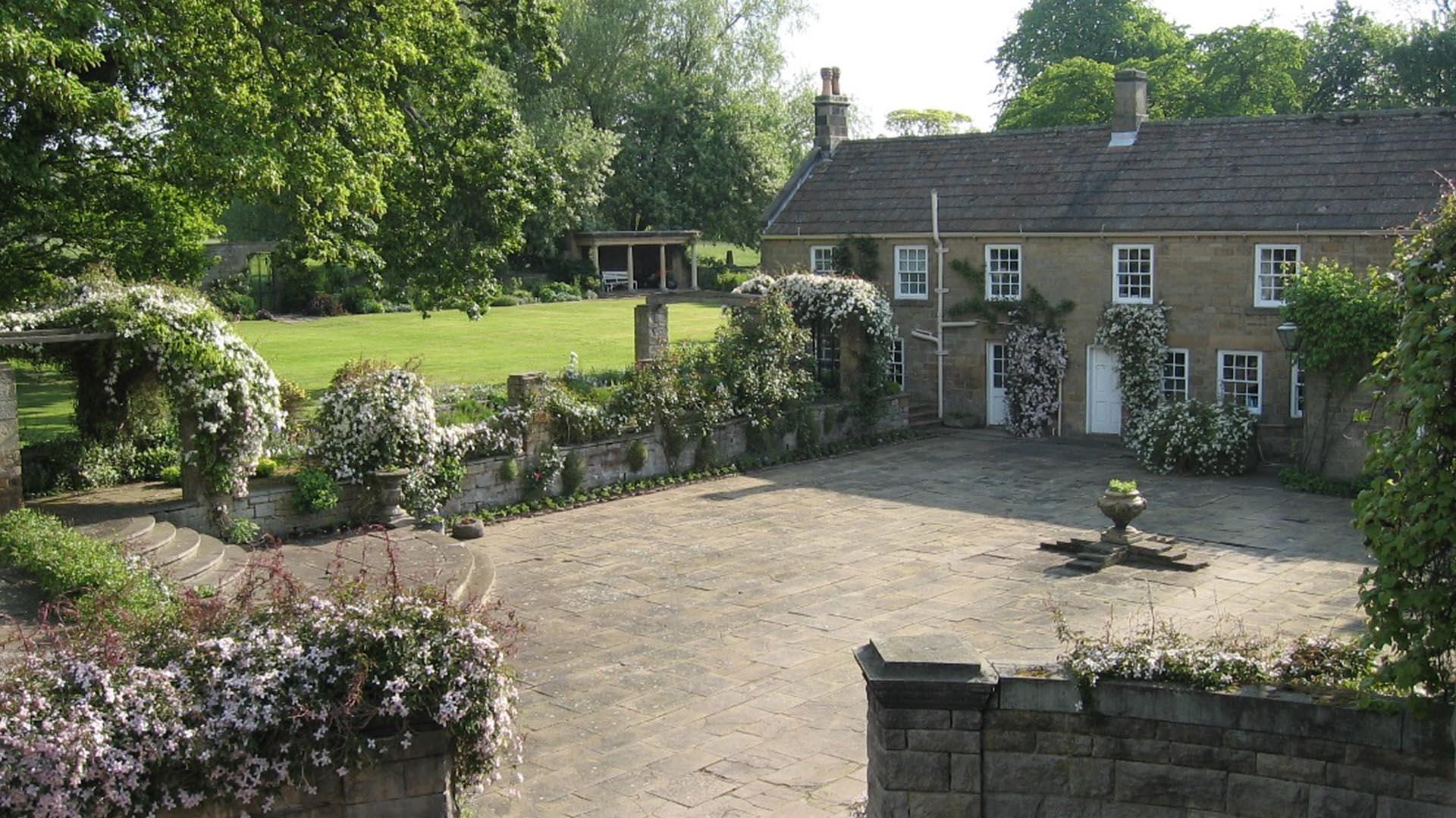 Whalton Manor Gardens